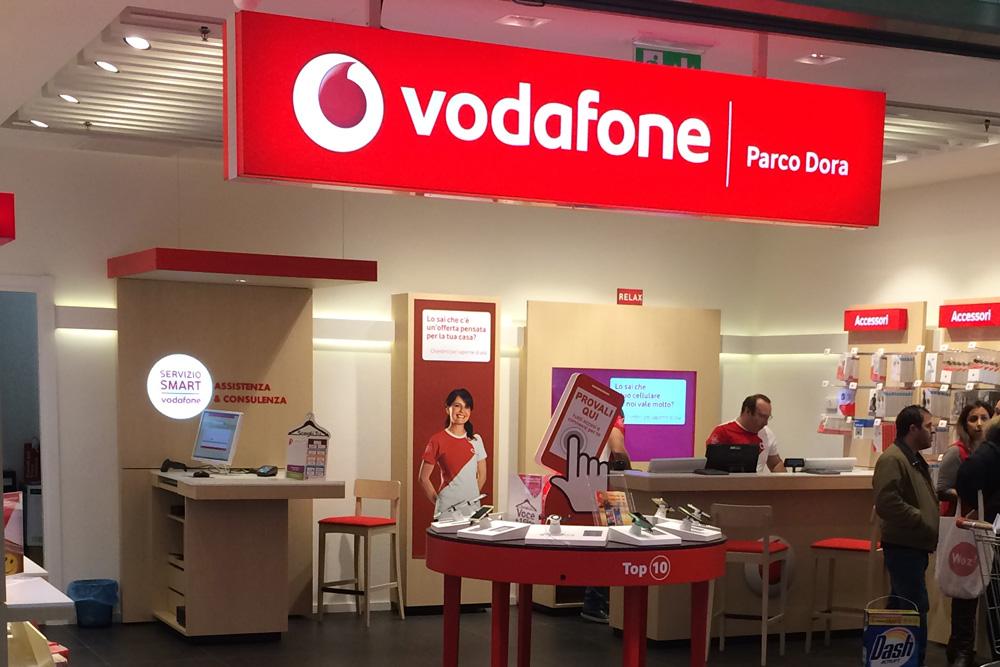 Ufficio Legale Vodafone : Vodafone parco dora centro commerciale